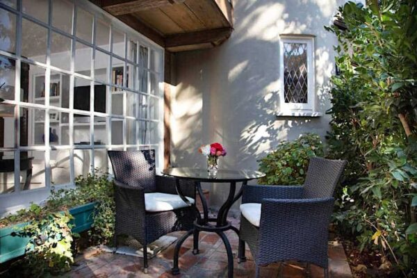 Hotels with bungalows in Los Angeles
