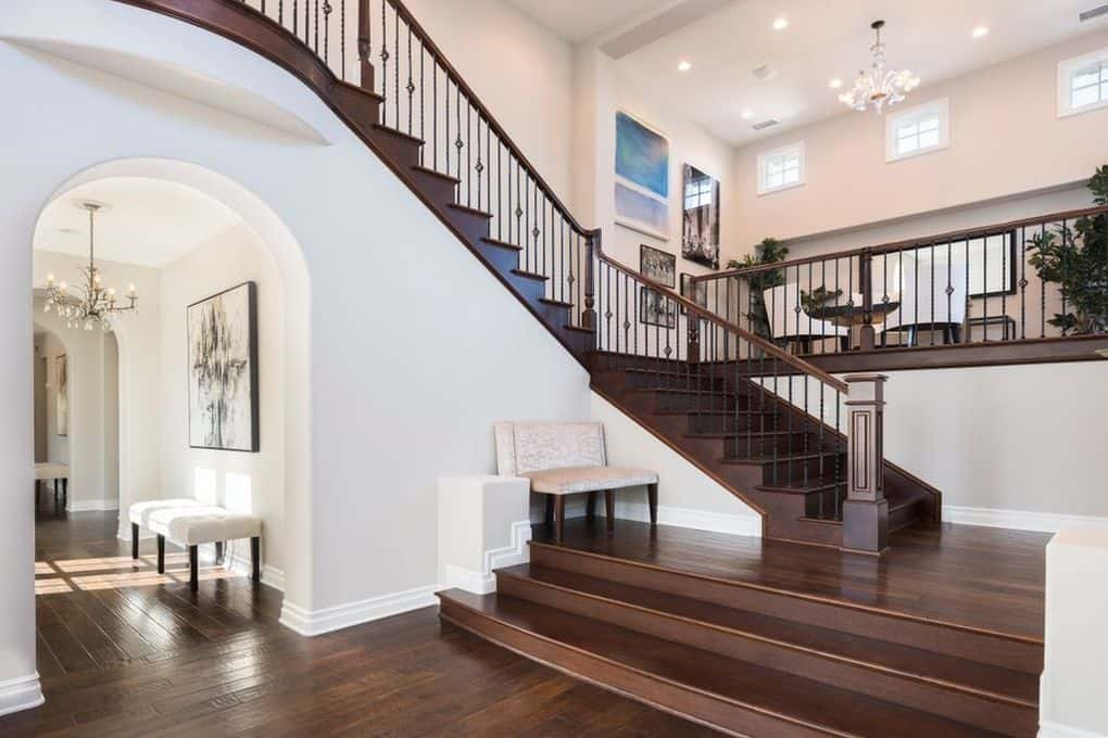 katie-holmes-puts-calabasas-home-on-the-market